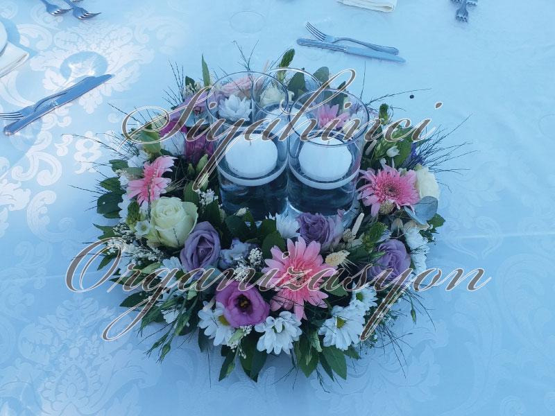 Masa Parteli - Canlı Çiçek - Silindir Cam Vazo - Yüzer Mum